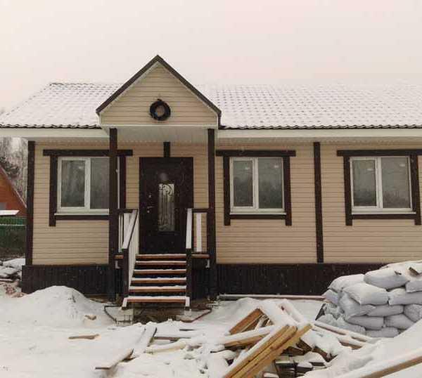 Реализованный одноэтажный панельно-каркасный дом Восход-68